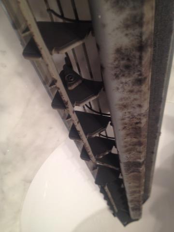 hongos aire acondicionado